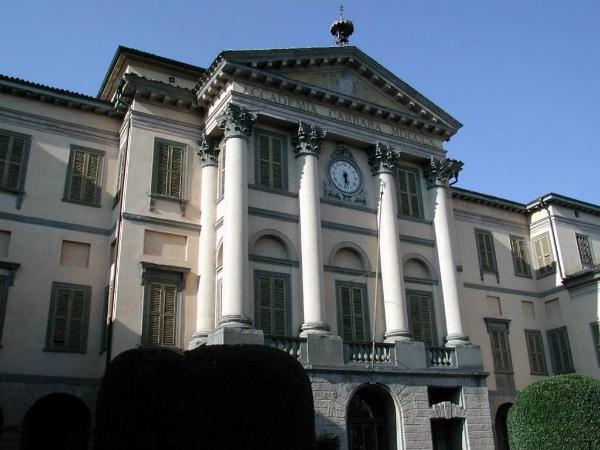 10-la-pinacoteca-della-citta-,-accademia-carrara.jpg