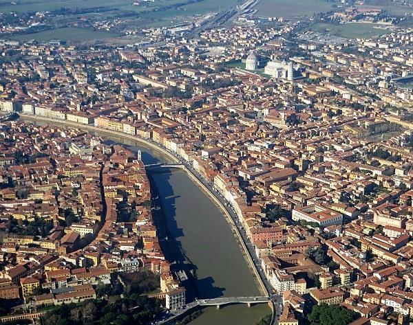 1-0-Pisa_-_veduta_dall'aereo_4.jpg