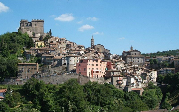 1-1-borgo-bassano1.jpg