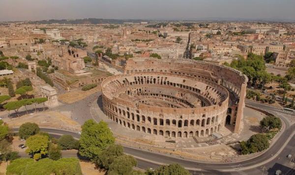 1-2-Foto_aerea_del_Colosseo-690x410.jpg