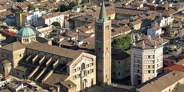 1-2-sDuomo_e_Battistero_di_Parma.jpg