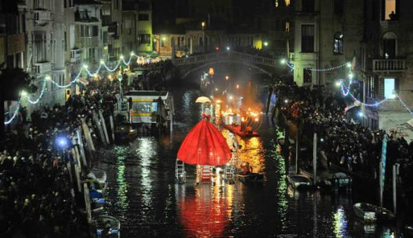 10-.La-Festa-Veneziana-apre-il-Carnevale-di-Venezia-2016.jpg