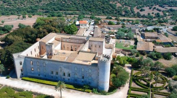 10-1-Castello-di-Donnafugata…