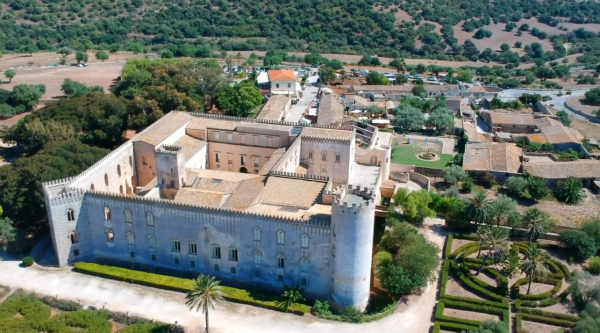 10-1-Castello-di-Donnafugata1.jpg