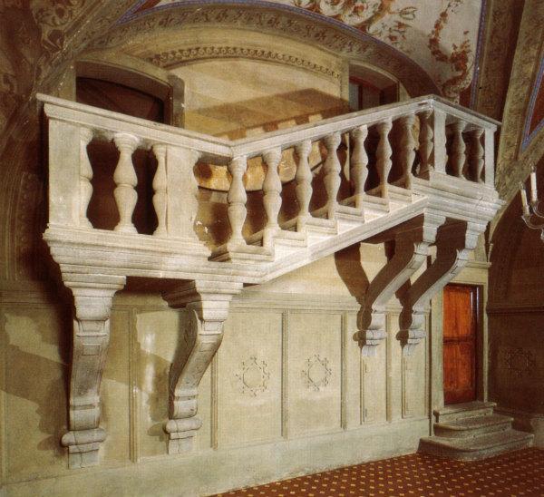 10-Villa_di_poggio_a_caiano,_scalone_di_Bianca_Cappello.jpg