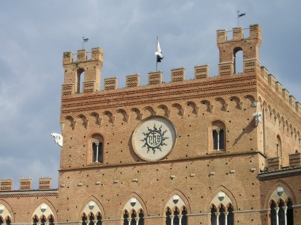 10-sParticolare_Palazzo_Comunale,_Siena.jpg
