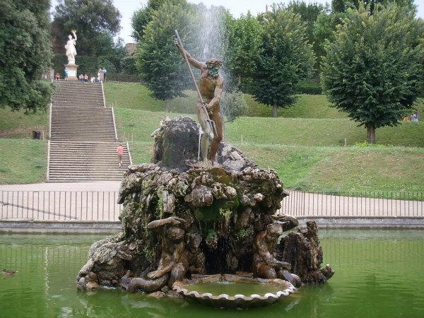11-Boboli,_fontana_del_tritone,_stoldo_lorenzi_03.jpg