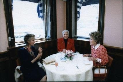 11-Nancy Reagan, Marella Agnelli e Maria Pia Fanfani at_Harry's_Bar_(Venice).jpg