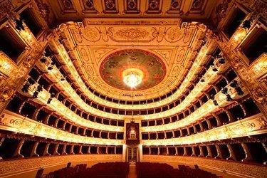 11-teatro-regio-parma.jpg
