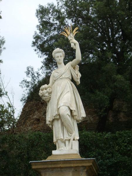 12-l'Abbondanza_(1636)_di_Pietro_Tacca,_(Giovanna_d'Austria)_02.jpg