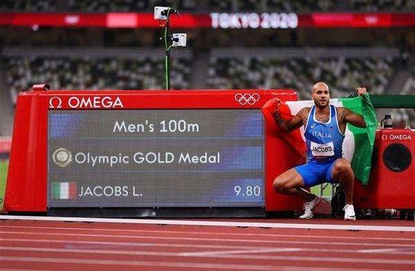 13-Lamont-Marcell-Jacobs-oro-olimpico-Tokyo-2020-sui-100m-maschili_GF.jpg