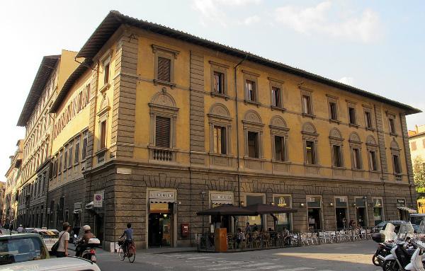 14-1129px-Corso_tintori_4,_palazzo_doni_02.jpg