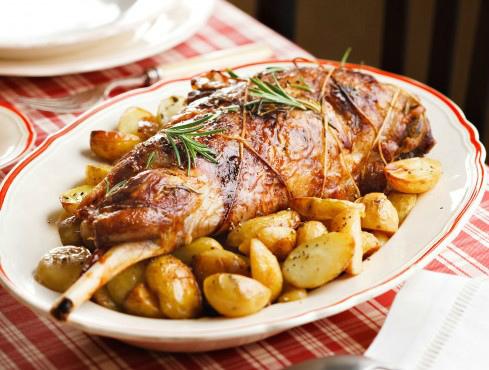 14-cosciotto-forno-patate-ricetta1-crop-4-3-489-370.jpg