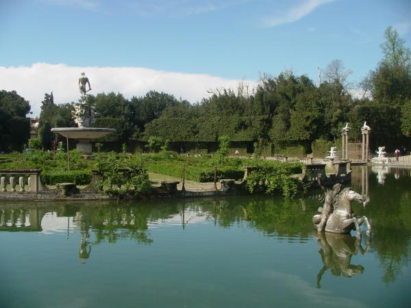 15-1-giardino-boboli-isolotto 00003.jpg