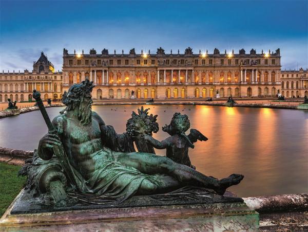 15-questa-statua-che-rappresenta-la-senna-e-situata-nel-parterre-nord-davanti-alla-grandiosa-facciata.jpg
