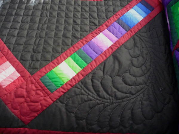 16-amish-quilts-for-sale-Hand-Quilting-Close-Up-2.jpg