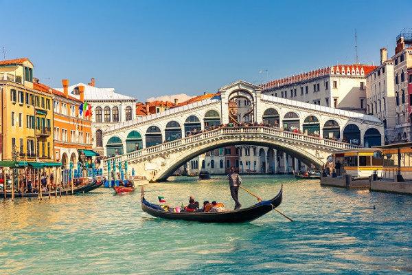 18-ponte_rialto_venezia_shutterstock_187378805.jpg
