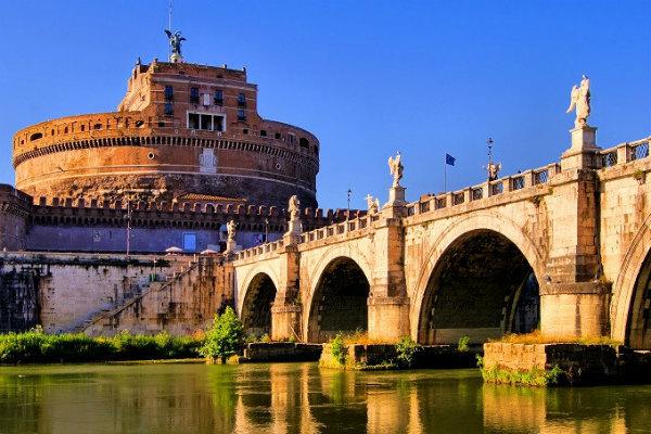 19-ponte_adriano_roma_shutterstock_131199326.jpg