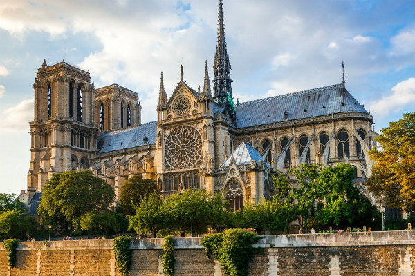 2-5-cattedrale-di-notre-dame-crowdfunding-raccolta-fondi.jpg