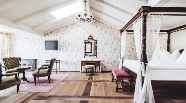 2-7-castel-fragsburg_adelerhorst suite_GF.jpg