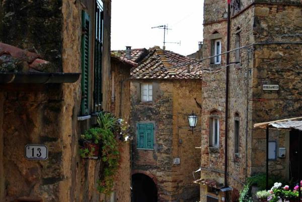 2-casale_marittimo_vie_centro_storico_lib_comune.jpg