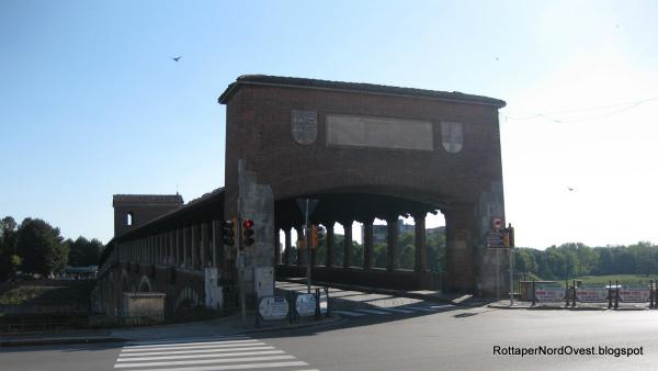 20-ingresso_del_Ponte_Coperto_dalla_parte_del_centro_storico_di_Pavia.jpg