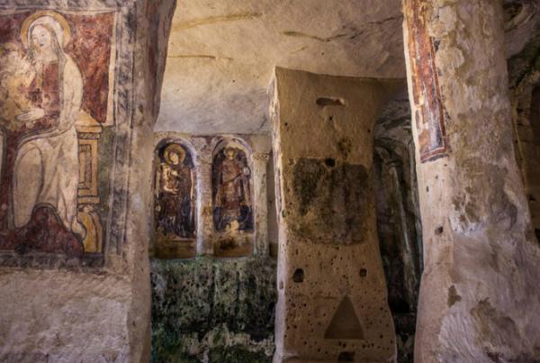 21-s-lucia-alle-malve- chiesa rupestre.jpg
