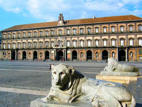 25-palazzo-reale-napoli.jpg