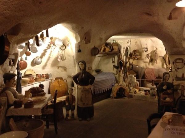 27-2-linterno-della-casa-grotta_GF.jpg