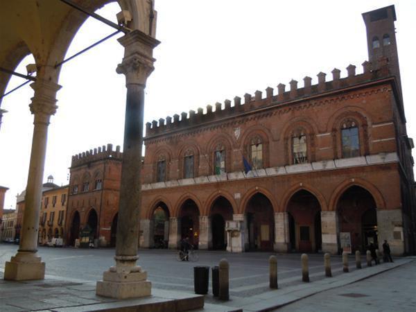 4-1-Cremona-Palazzo_comunale_GF.jpg