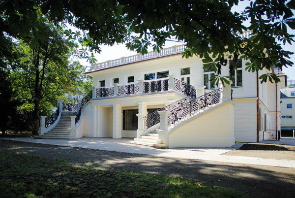 4-North-facade-of-Klimt-Villa-today.jpg