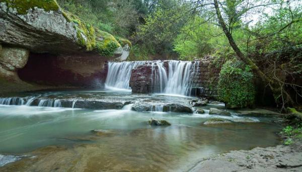 4-cascate-Chia-borgo-tanto-amato-da-Pasolini.jpg