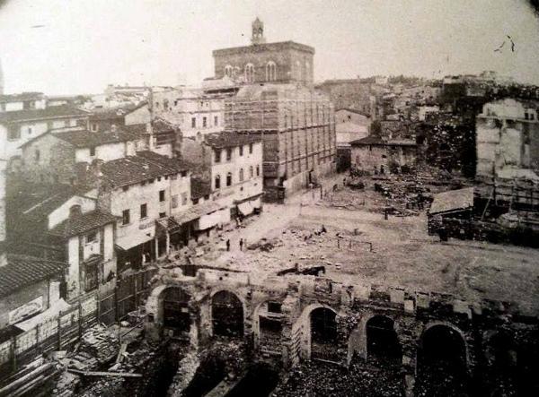 4-distruzione-Piazza-del-Mercato-vecchio-Firenze.jpg