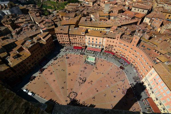 4-punto-di-vista-di-piazza-del-campo.jpg