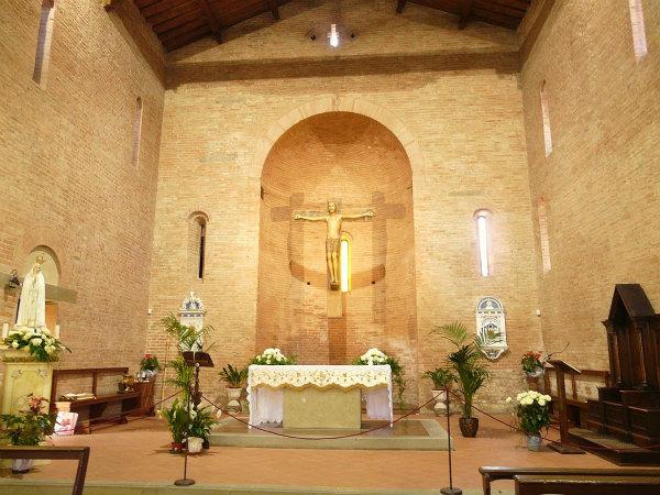 43-2-chiesa_ss_jacopo_e_filippo-altare.jpg