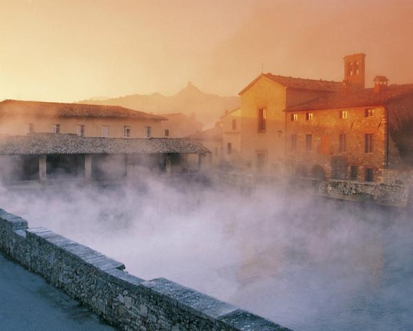 43-bagno-vignoni-pool-val-dorcia.jpg