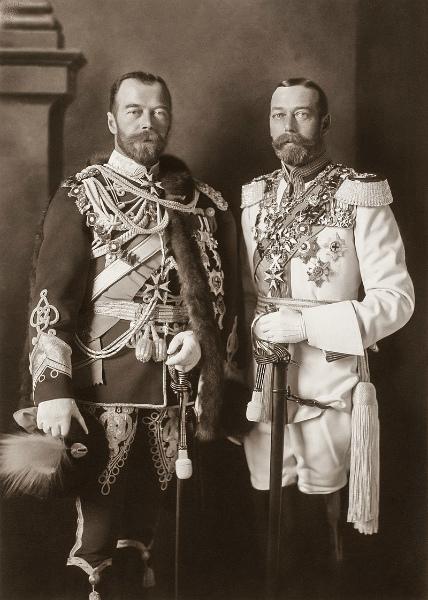 5-George_V_and_Nicholas_II_in_Berlin,_1913.jpg