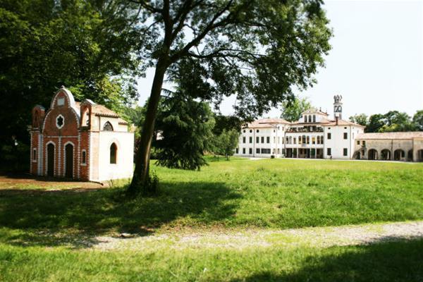 5-mplesso_della_villa_GF.jpg