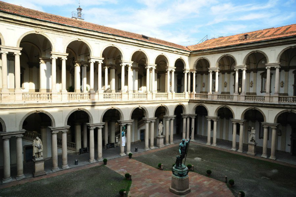 5-spinacoteca-brera-patio.jpg