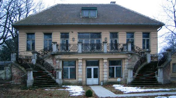 6-Klimt-villa.jpg