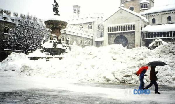 6-Nevicata del 1985 a Trento.jpg
