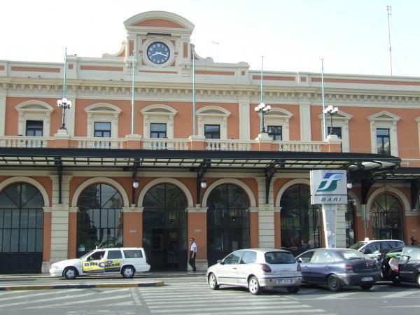 6-stazione-bari.jpg