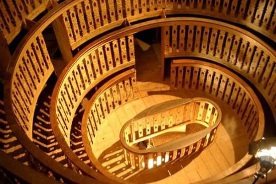 7-2-il-vorticoso-teatro-anatomico-a-palazzo-del-bo.jpg