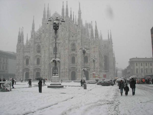 7-2-milano-sotto-la-neve-fonte-immagine-milanoevents.jpg
