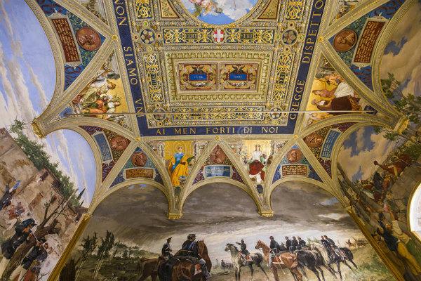 7-2-palazzo-pubblico-siena-italia-81191067.jpg