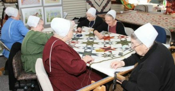 8-1-Quilting-the-Amish-Way.jpg