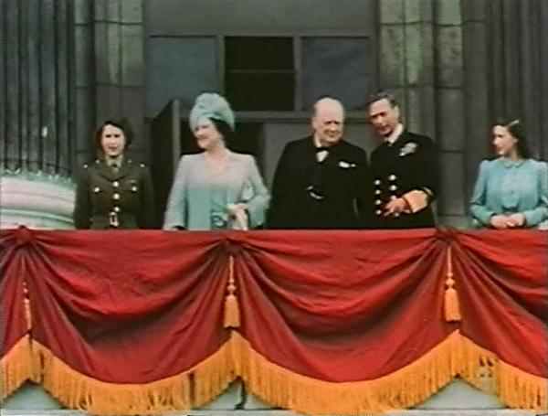 8-1945.5.8_Buckingham_Palace_2.jpg