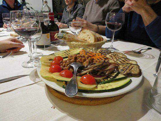 8-2-_Vecchio-Falconiere_Padova_0d-f3-d0-3d-verdure-grigliate-e-fagioli.jpg