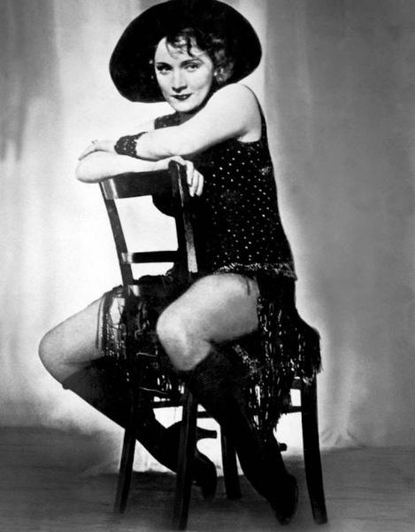 8-Marlene Dietrich è L'angelo Azzurro.jpg