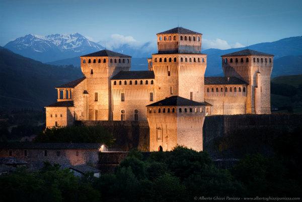 85-castello-di-torrechiara-1.jpg